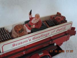 YYM35193  Coca Cola 1930 Ahrens Fox Quad Fire Engine met Santa