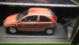 Opel Corsa 2000,Rood, Minichamps, 1:43