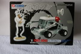 Moon buggy & James bond figure set