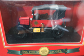Sunstar 1925 Ford Model T Tourer Fire Chief, red
