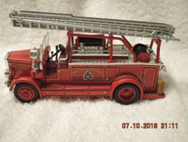 Matchbox Yesteryear YYM37635  1936 Leyland Cub Ladder Truck FIRE - BRANDWEER