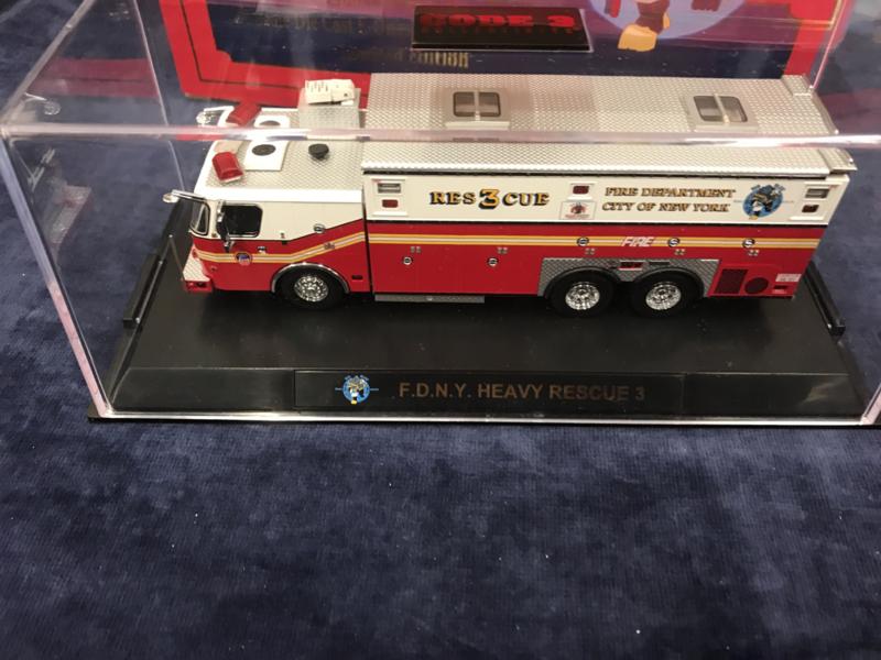 Code 3 FDNY E-One Heavy Rescue #3 (12693)
