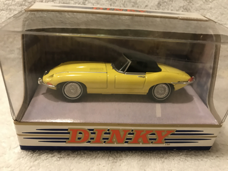 DY-1B 1967 jaguar E type MK 1,5 geel -