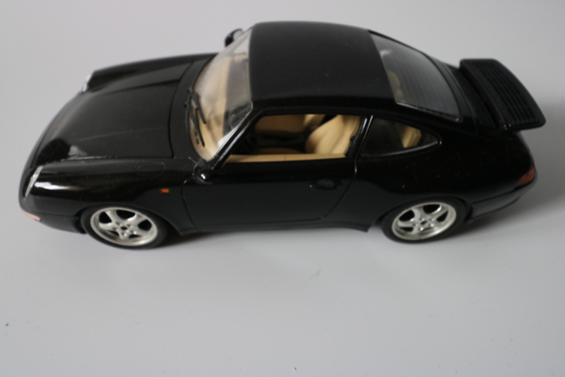 Porsche 911/993 carrera, 1:18 Burago
