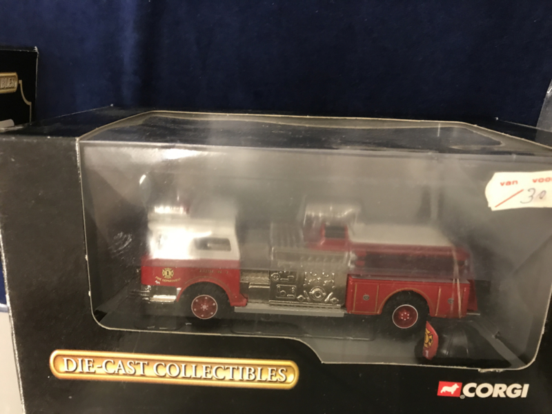 Corgi 52005 1/50 Mack CF Pumper Lodi Fire Dept NJ