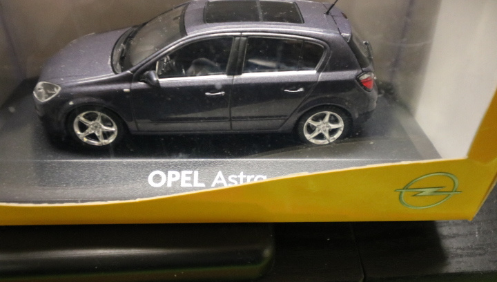 Opel Astra, 1:43, fabriek uitgave