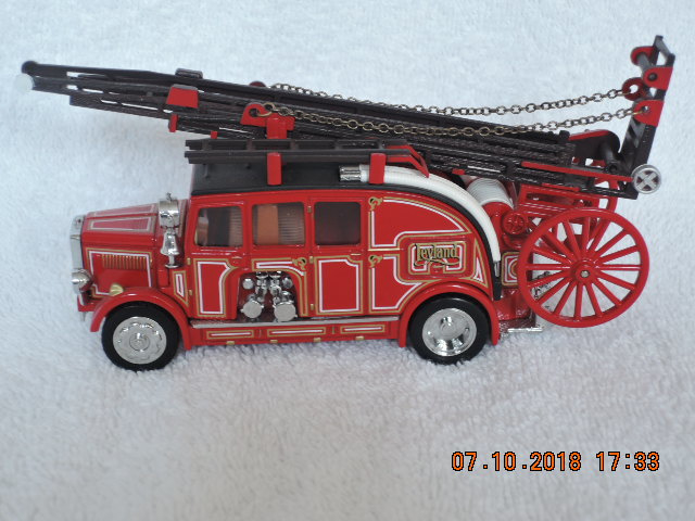 Matchbox YFE08 1936 Leyland Cub Fk7 brandweerwagen