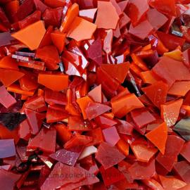 Gekleurde glasscherven 200 gram Rode Mix 009