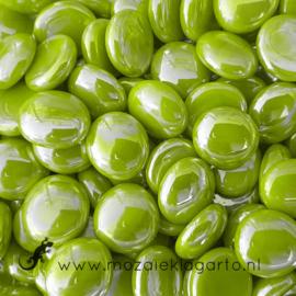 Glas Nugget 17-22 mm Opaal Iriserend 50 gram Limoengroen  4463