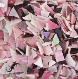 Gekleurde glasscherven 200 gram Roze Mix 010