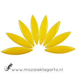 Keramiek bloemblaadjes Groot per 8 Geel 071