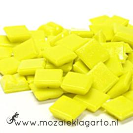Basis  glastegeltjes 1 x 1 cm per 50 gram Helder Geel 090