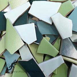 Mozaiek tegel scherven voor BINNEN EN BUITEN 1 kilo Groene Mix 004