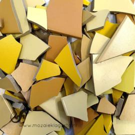 Mozaiek tegel scherven voor BINNEN EN BUITEN 1 kilo Gele Mix 003