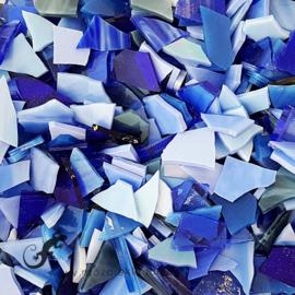 Gekleurde glasscherven 200 gram Blauwe Mix 001