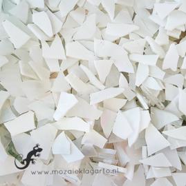 Gekleurde glasscherven 200 gram Witte Mix 011