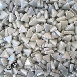 Glasmozaiek Driehoekjes 10 mm Parelmoer per 50 gram Grijs 042P