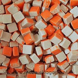 Mini Keramiek tegeltjes 5x5 mm per 15 gram Oranje 006