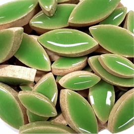 Keramiek bloembaadjes 2 maten per 50 gram Groen 142