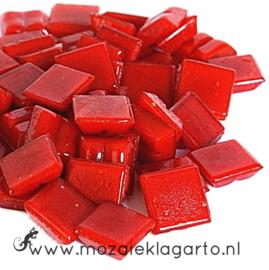 Basis glastegeltjes 1 x 1 cm per 50 gram Rood 096
