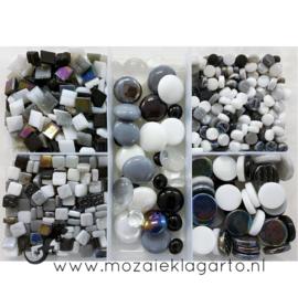 Glasmix in sorteerdoos 500 gram Mix Zwart/Wit/Grijs 500-6