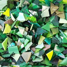 Gekleurde glasscherven 200 grm Groene Mix 006