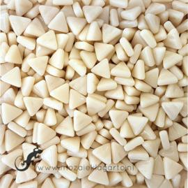 Glasmozaiek Driehoekjes 10 mm per 50 gram Creme 092