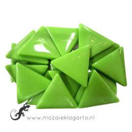 Glasmozaiek Driehoek 29 mm per 100 gram Lichtgroen 011