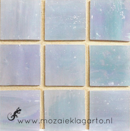 Tiffany glastegels 2x2 cm per 25 Lichtblauw Iriserend 022