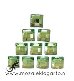 Glas facet geslepen vierkant 10 mm per 10  Groen 012
