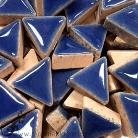 Geglazuurde keramiek driehoekjes 15 mm per 50 gram Blauw 191