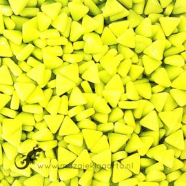 Glasmozaiek Driehoekjes 10 mm per 50 gram Geelgroen 029