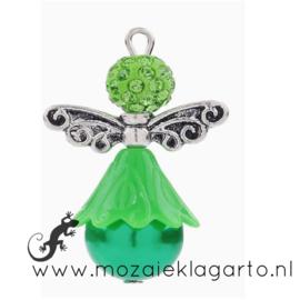 Metalen/kunststof hanger engel met Strass 33 x 15mm Groen