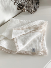 Swaddle Off white  Romantica