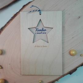 Houten geboortekaart met ster