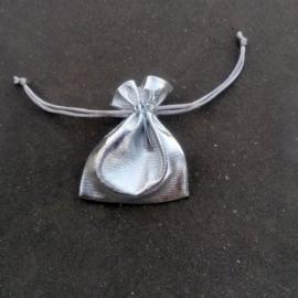 trekzakje glanzend zilver