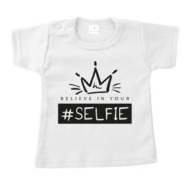T-Shirt Believe in your selfie, maat 56