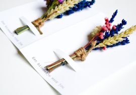 Droogbloemen boeketje op kaart, small