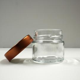 glazen potje met koperkleurig schroefdeksel