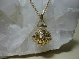 Goldtone Vergulde Parfumbol met lange ketting plus 3 verschillende kleuren bolletjes
