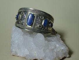 Manchet armband met Lapis Lazuli herkomst Afghanistan