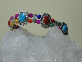 Armband van Tibetaans zilver met kleurijke mooie rode kralen