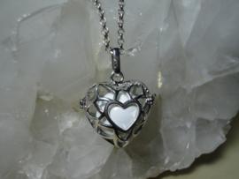 Engelenroeper hartvorm met witte klankbol en lange ketting