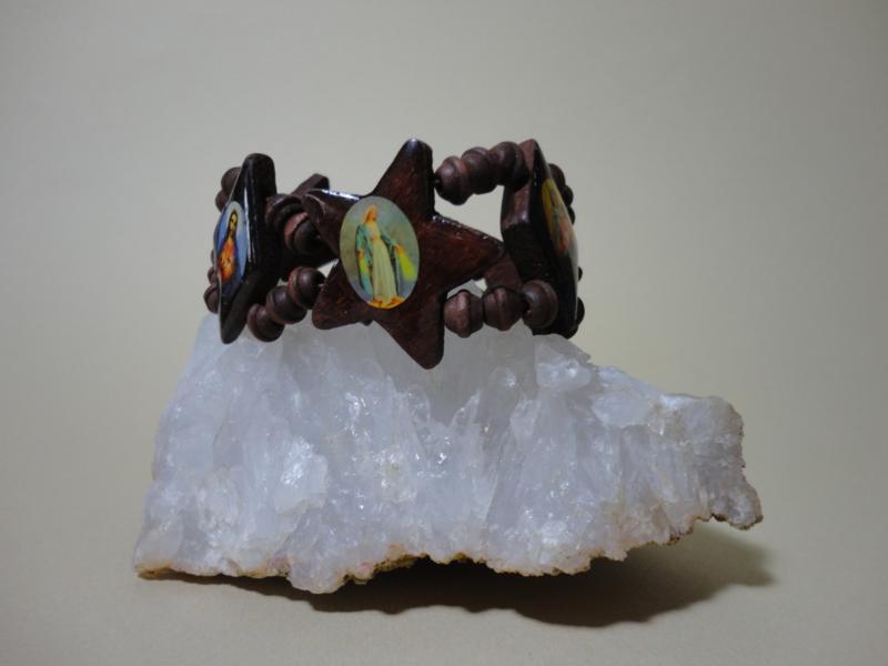 Armband van hout met 6 grote religieuze afbeeldingen