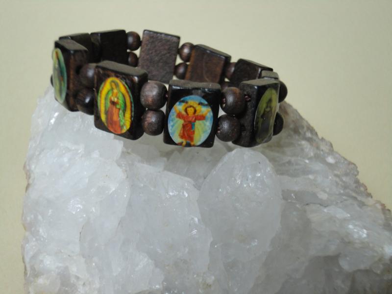 Armband van hout met 10 religieuze afbeeldingen