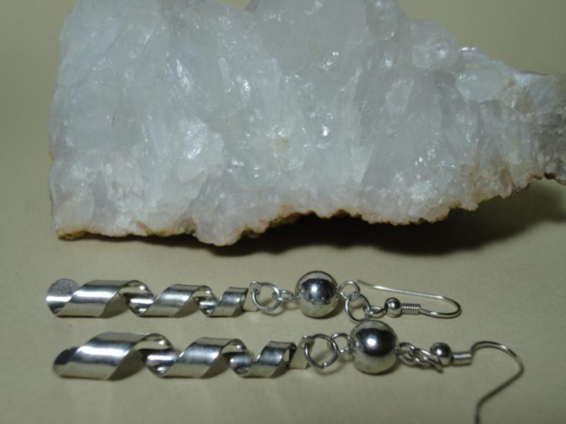 Lange spiraal oorbellen Tibetaans zilver