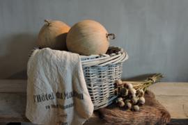 Schalen, dienbladen, manden en kisten