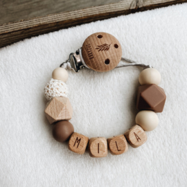 Pacifier clip with  name ´Soft Wood´