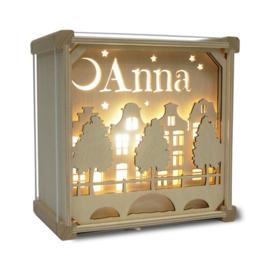 Lamp met naam: Stil op straat