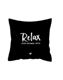 Kussen met tekst 'Relax, even helemaal niets' (Zoedt)